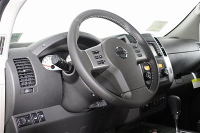 2020 Nissan Frontier Crew Cab 4x4, Pickup #D717499 - photo 10