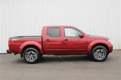 2019 Frontier Crew Cab 4x4,  Pickup #D743587 - photo 3
