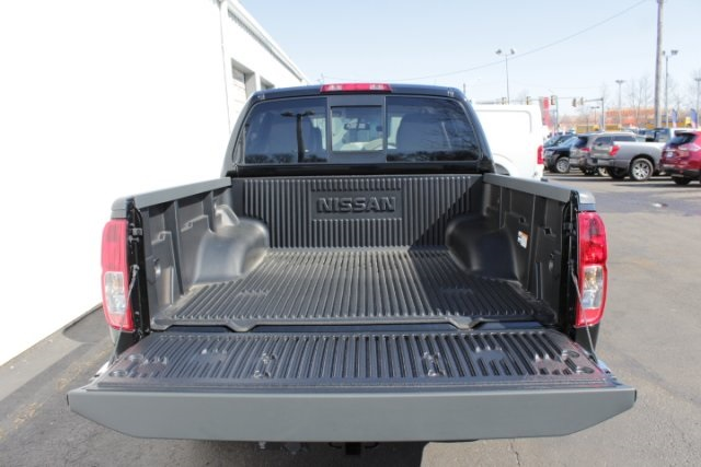 2019 Frontier Crew Cab 4x4,  Pickup #D743970 - photo 6