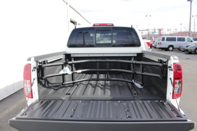 2019 Frontier Crew Cab 4x4,  Pickup #D747581 - photo 12