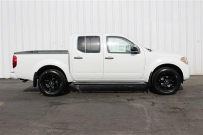 2019 Frontier Crew Cab 4x4,  Pickup #D747581 - photo 3
