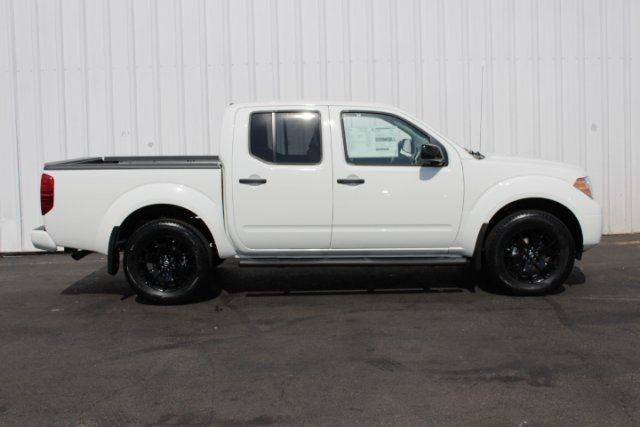 2019 Frontier Crew Cab 4x4, Pickup #D751037 - photo 3
