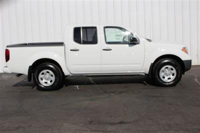2019 Frontier Crew Cab 4x4,  Pickup #D754456 - photo 3