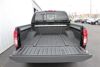 2019 Frontier Crew Cab 4x4,  Pickup #D758427 - photo 5