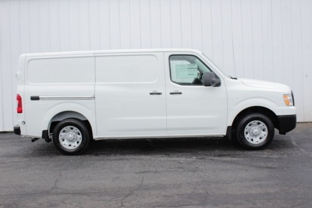 2019 NV2500 Standard Roof 4x2,  Empty Cargo Van #D800131 - photo 3