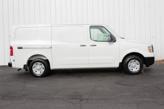 2019 NV2500 Standard Roof 4x2,  Empty Cargo Van #D801465 - photo 3