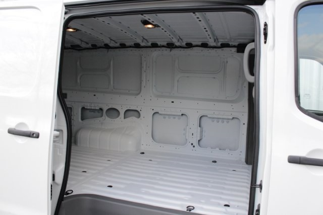 2019 NV2500 Standard Roof 4x2, Empty Cargo Van #D802575 - photo 10