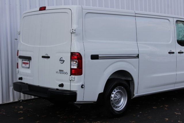2019 NV2500 Standard Roof 4x2, Empty Cargo Van #D802575 - photo 5