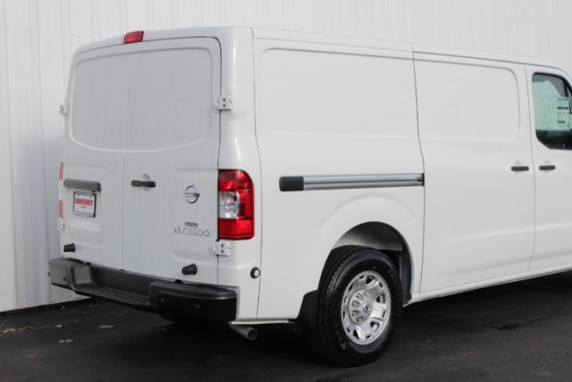 2019 NV2500 Standard Roof 4x2,  Empty Cargo Van #D802996 - photo 5