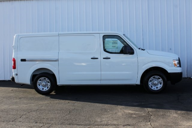 2019 NV2500 Standard Roof 4x2,  Empty Cargo Van #D805026 - photo 3