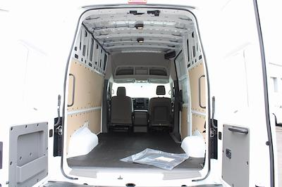 2021 Nissan NV2500 4x2, Empty Cargo Van #D810250 - photo 2
