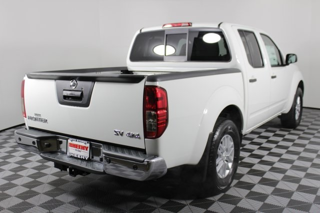 2019 Frontier Crew Cab 4x4, Pickup #D870142 - photo 1