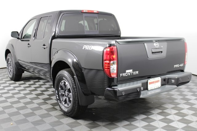 2019 Frontier Crew Cab 4x4, Pickup #D873070 - photo 6