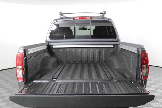 2019 Frontier Crew Cab 4x4, Pickup #D873522 - photo 8