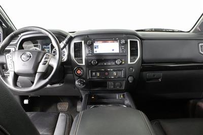 2018 Nissan Titan Crew Cab, Pickup #DP13657A - photo 13