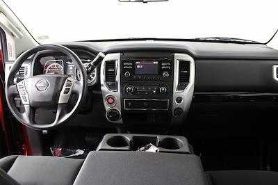 2018 Nissan Titan Crew Cab 4x4, Pickup #DP14325 - photo 15