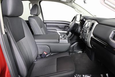 2018 Nissan Titan Crew Cab 4x4, Pickup #DP14325 - photo 17