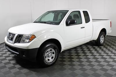 2017 Nissan Frontier King Cab 4x2, Pickup #DP14354 - photo 4