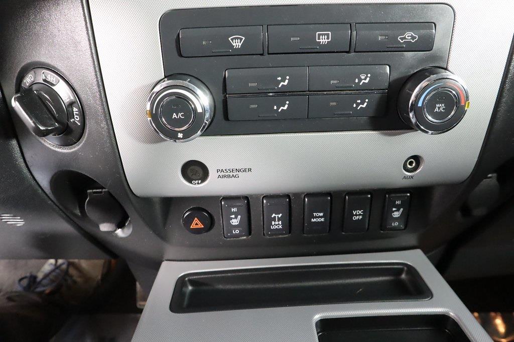 2011 Nissan Titan Crew Cab 4x4, Pickup #DX25200A - photo 23