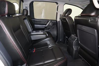 2011 Nissan Titan Crew Cab 4x4, Pickup #DX25200A - photo 17