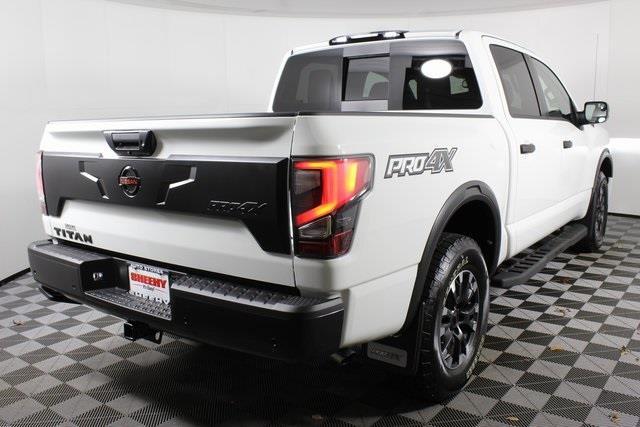 2021 Nissan Titan 4x4, Pickup #DX503808 - photo 2