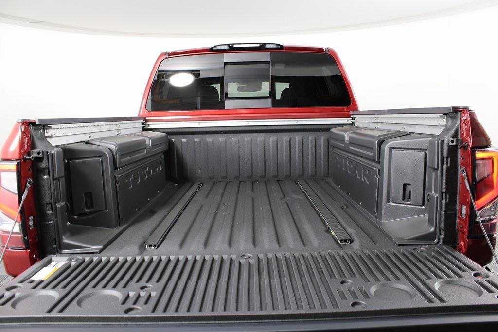 2021 Nissan Titan 4x4, Pickup #DX505079 - photo 6