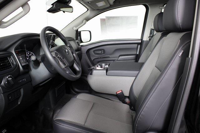 2021 Nissan Titan 4x4, Pickup #DX518092 - photo 10