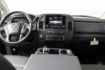 2021 Nissan Titan 4x4, Pickup #DX518092 - photo 12