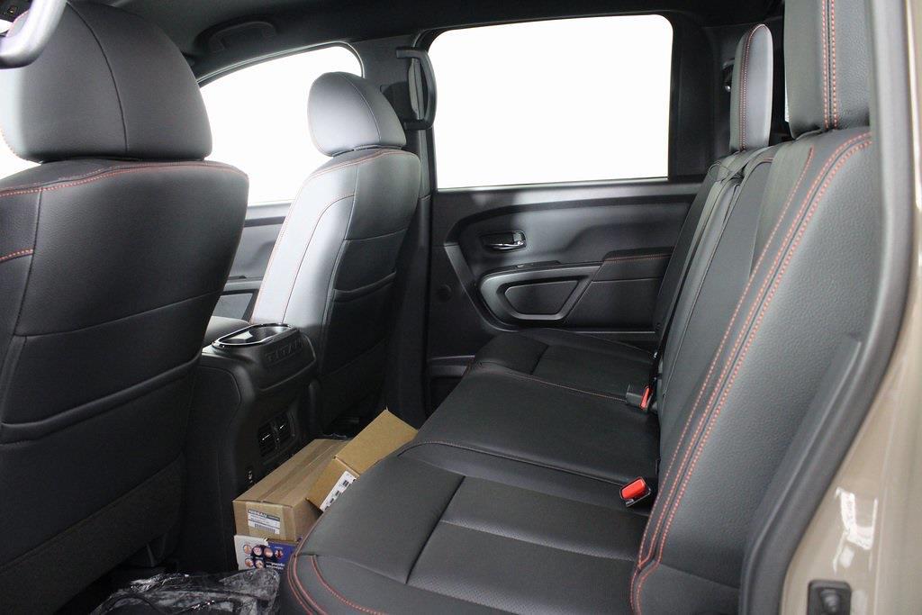 2021 Nissan Titan 4x4, Pickup #DX522715 - photo 11