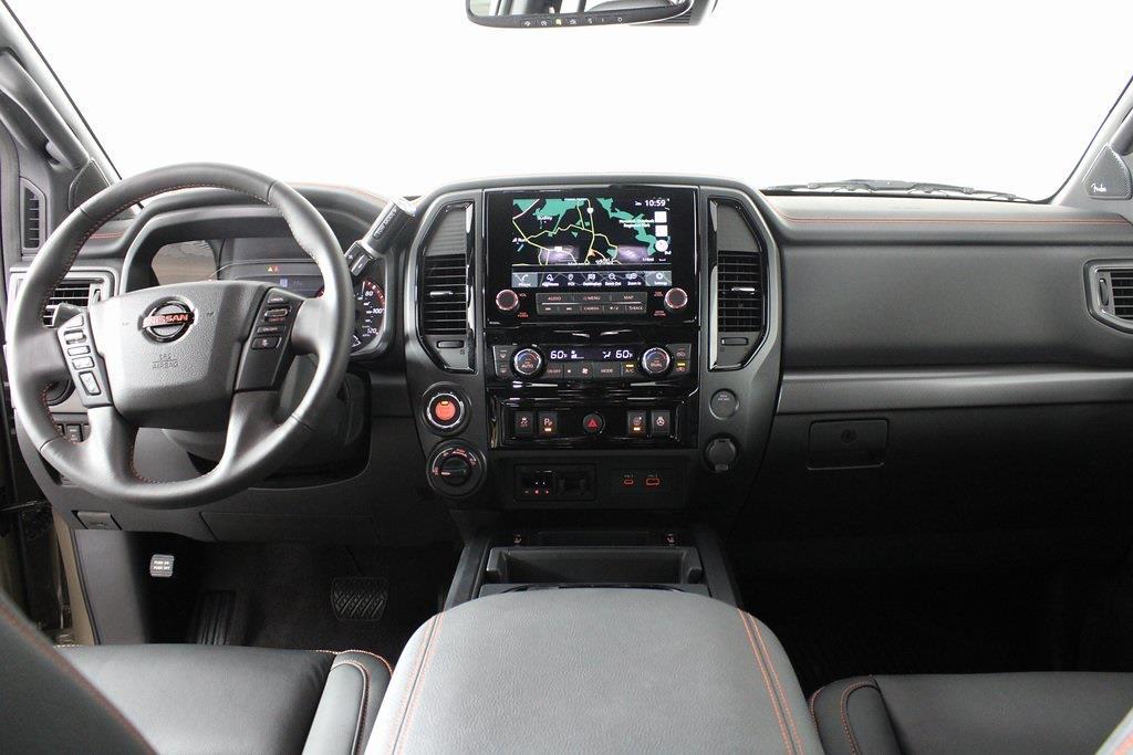 2021 Nissan Titan 4x4, Pickup #DX522715 - photo 12