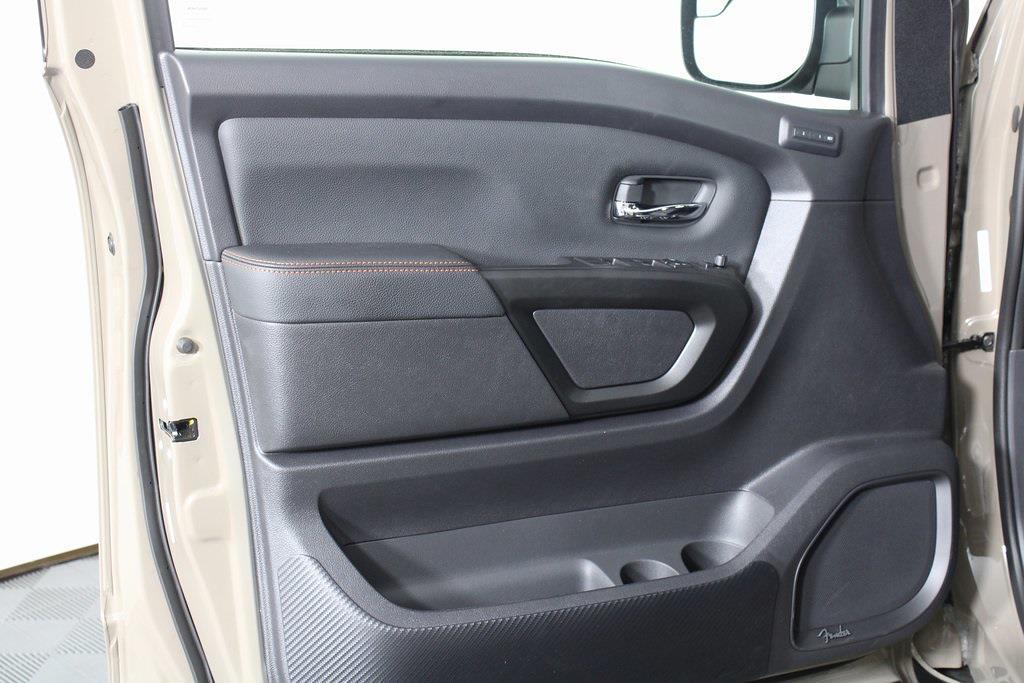 2021 Nissan Titan 4x4, Pickup #DX522715 - photo 7