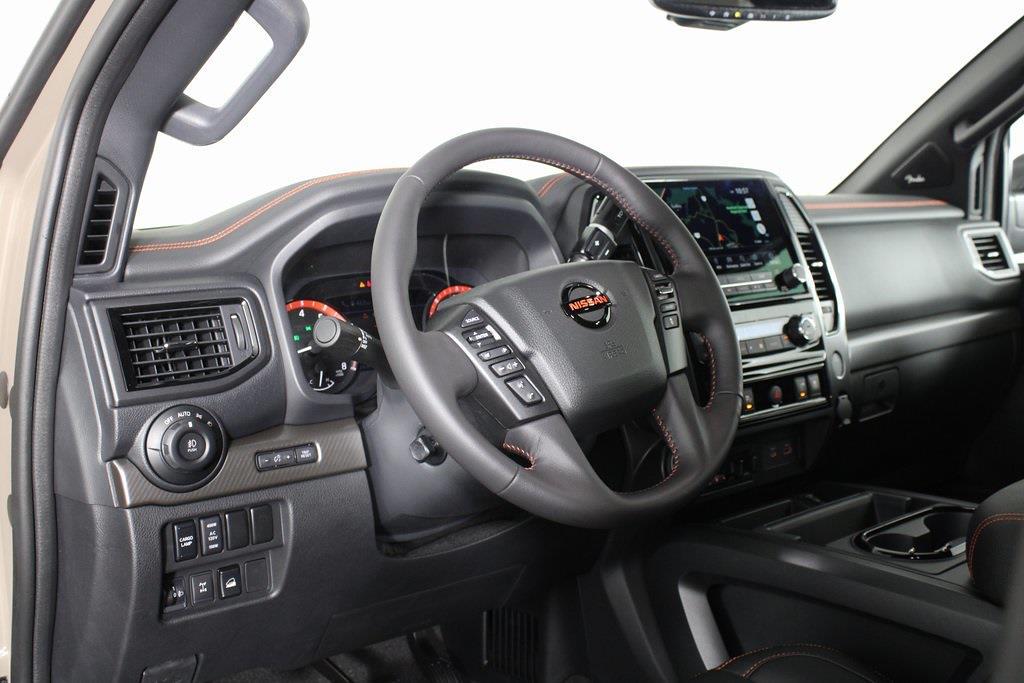 2021 Nissan Titan 4x4, Pickup #DX522715 - photo 8