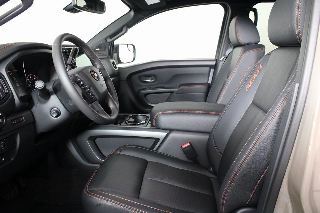2021 Nissan Titan 4x4, Pickup #DX522715 - photo 9