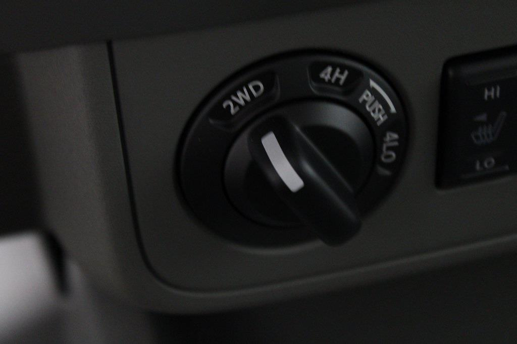 2021 Nissan Frontier 4x4, Pickup #DX703897 - photo 17