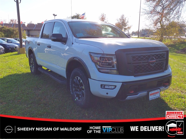 2021 Nissan Titan, Pickup #K505176 - photo 1