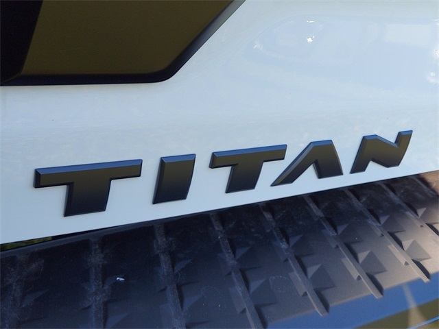 2021 Nissan Titan, Pickup #K505176 - photo 12