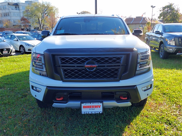 2021 Nissan Titan, Pickup #K505176 - photo 3