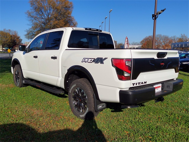 2021 Nissan Titan, Pickup #K505176 - photo 7