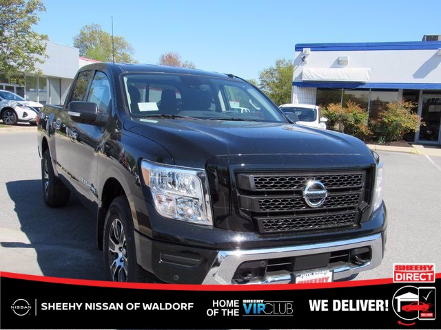 2020 Nissan Titan Crew Cab 4x4, Pickup #K505823 - photo 1