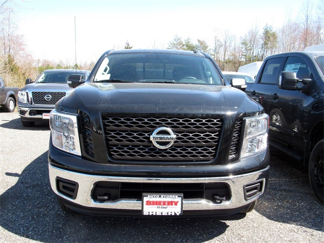 2019 Titan Crew Cab 4x4, Pickup #K515990 - photo 3