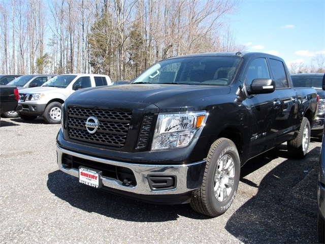 2019 Titan Crew Cab 4x4, Pickup #K515990 - photo 4