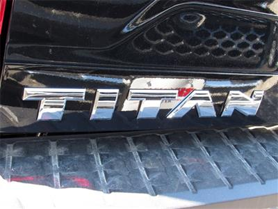 2019 Titan Crew Cab 4x4, Pickup #K515990 - photo 11