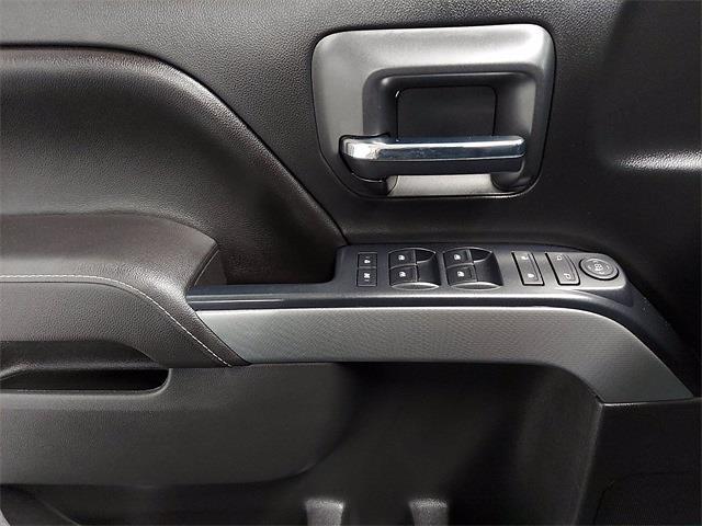 2017 Chevrolet Silverado 1500 Crew Cab 4x4, Pickup #KR8529 - photo 12
