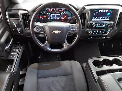 2017 Chevrolet Silverado 1500 Crew Cab 4x4, Pickup #KR8529 - photo 11