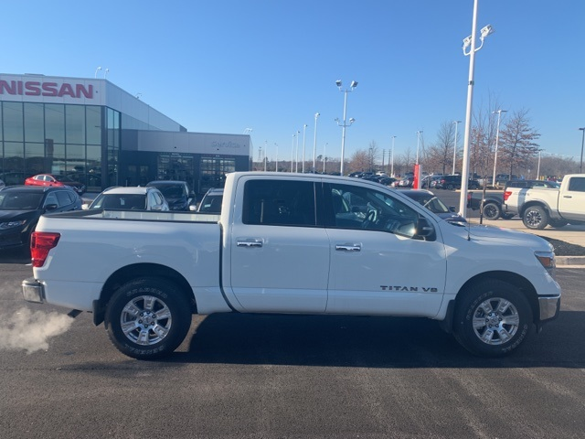 2019 Titan Crew Cab 4x4,  Pickup #U502233 - photo 8