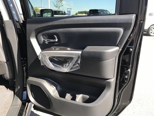 2021 Nissan Titan 4x4, Pickup #U502536 - photo 18