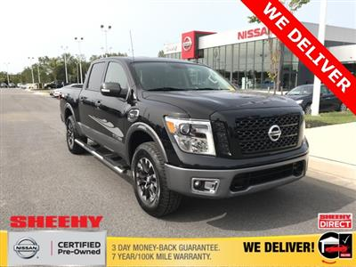 2017 Nissan Titan Crew Cab 4x4, Pickup #U506639A - photo 1