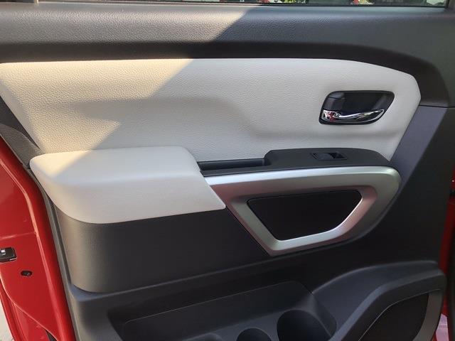 2021 Nissan Titan 4x4, Pickup #U511168 - photo 11