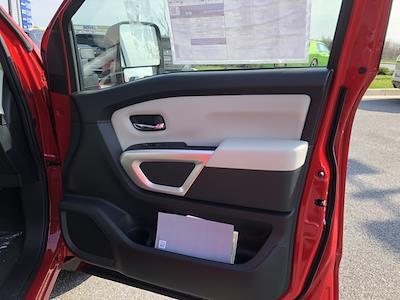2021 Nissan Titan 4x4, Pickup #U511168 - photo 19