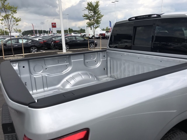 2019 Titan Crew Cab 4x4, Pickup #U525877 - photo 6